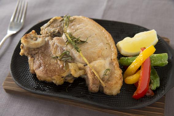 白金豚ロース肉のグリル