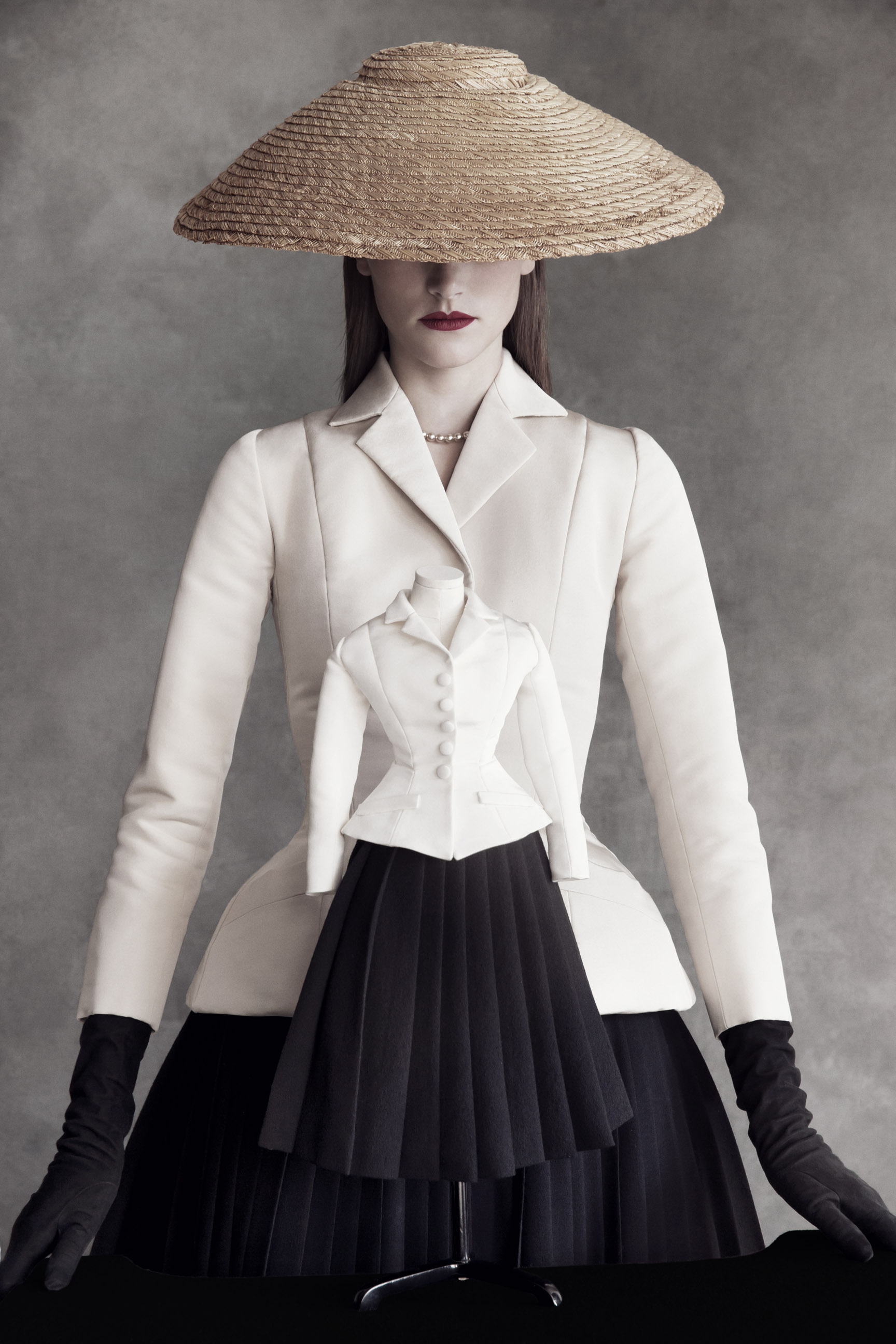 Theatre-Dior-by-Patrick-Demarchelier-01