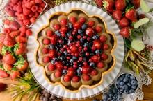 1161_波型_甘酸っぱいフルーツとチョコレートプリンのタルト_t_tr