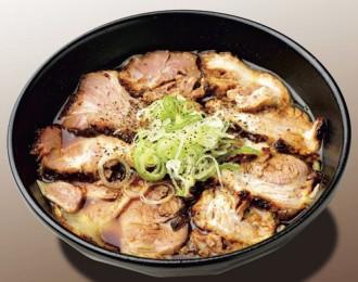 富山ブラック 肉盛そば