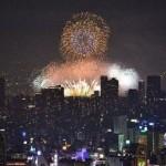 「ハルカス300(展望台)」で鑑賞する大阪2大花火大会